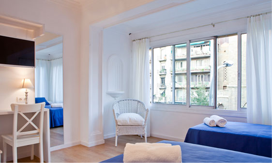 Blue Barcelona, Bed and breakfast